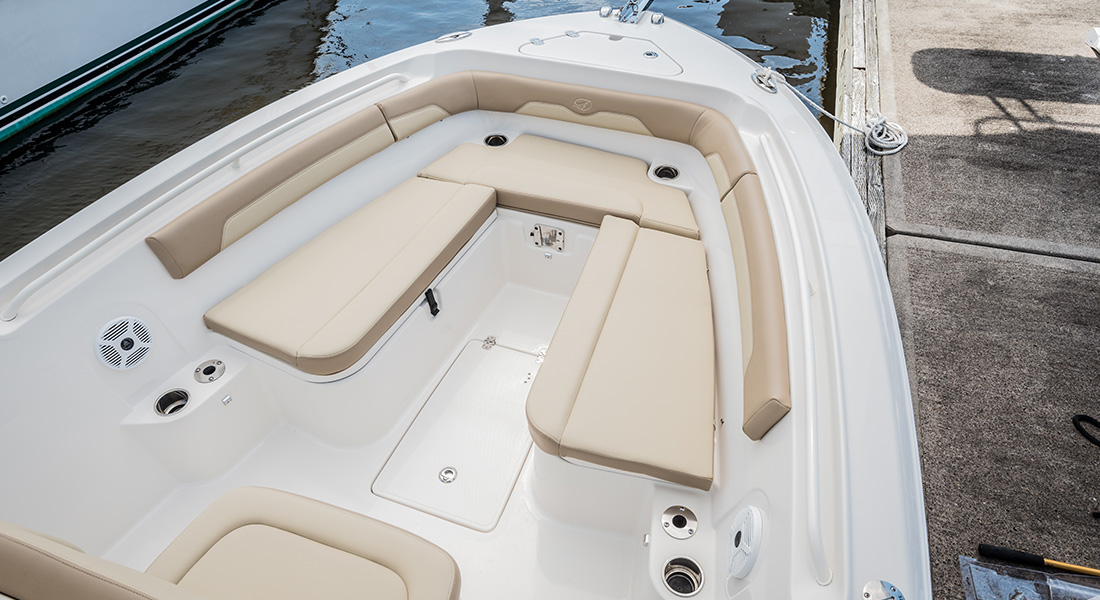 241 Center Console - Bow Seating With Cushions Installed